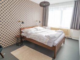 Ložnice v apartmánu 2+kk